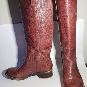 "Womens 8.5M Lucky Brand Hibiscus 16"" Tall Boots"